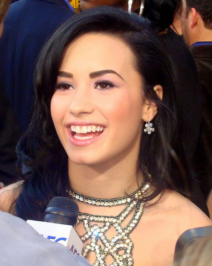 Demi Lovato - Celebrity biography, zodiac sign and famous quotes