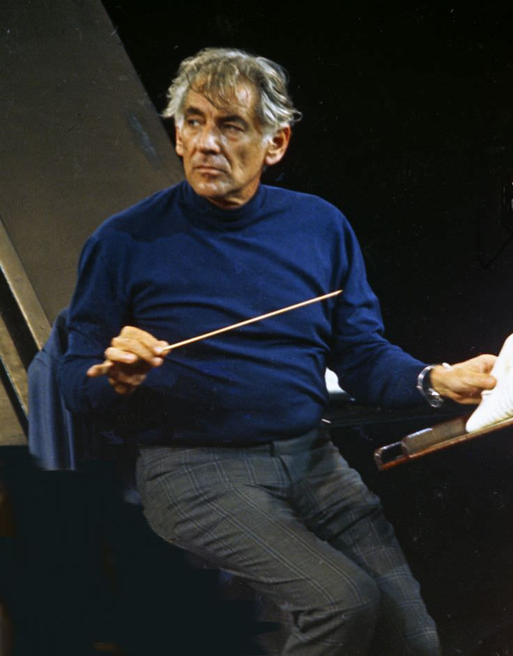 biography of leonard bernstein