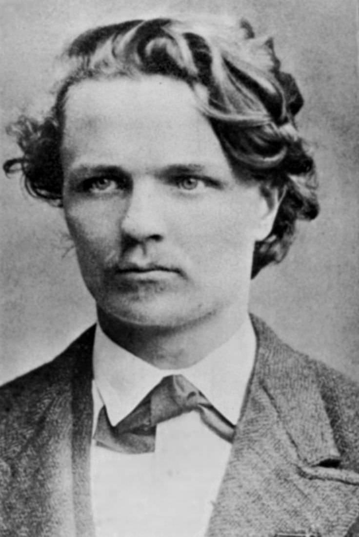 august strindberg Johann august strindberg, régies magyar formában strindberg ágost (stockholm, 1849 január 22 – 1912 május 14) svéd dráma-, regény-, és elbeszélésíró.