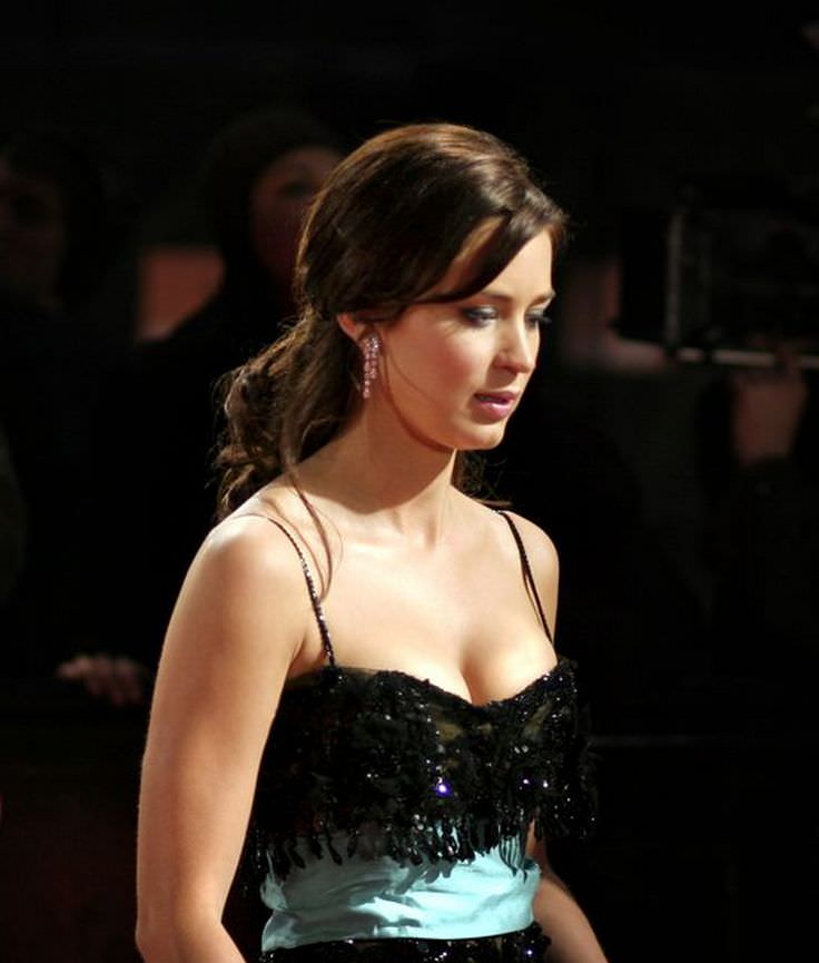 Emily Blunt - Celebrity biography, zodiac sign and famous ...