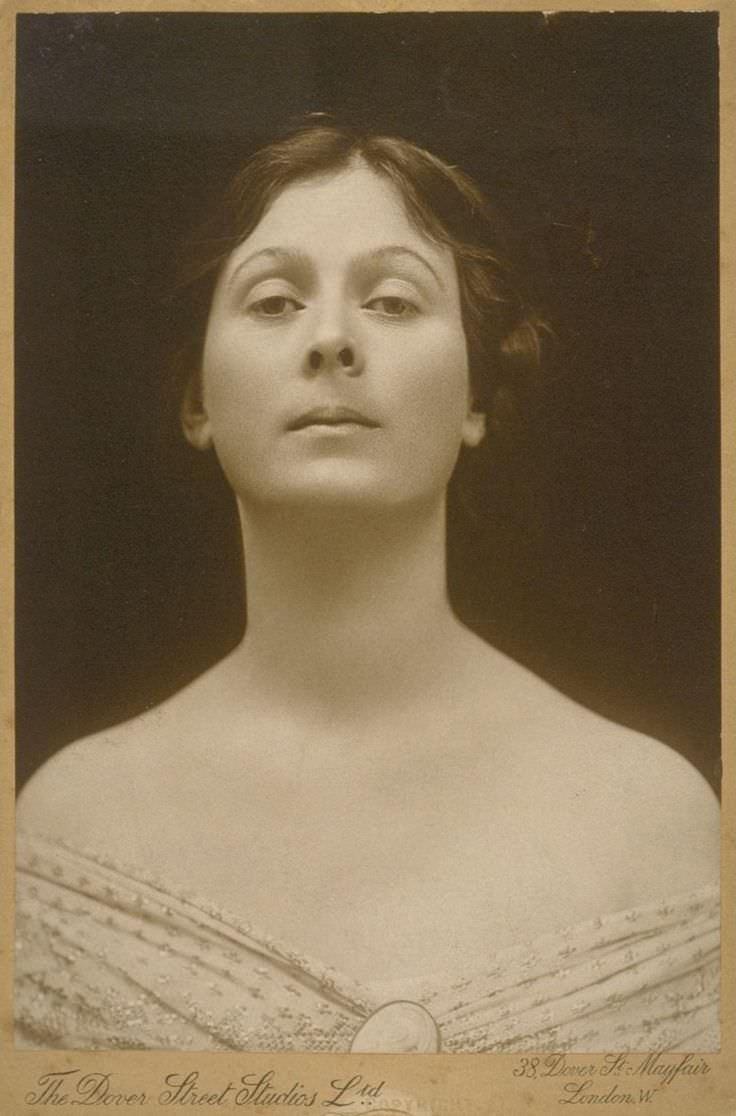 a biography of isadora duncan a famous dancer