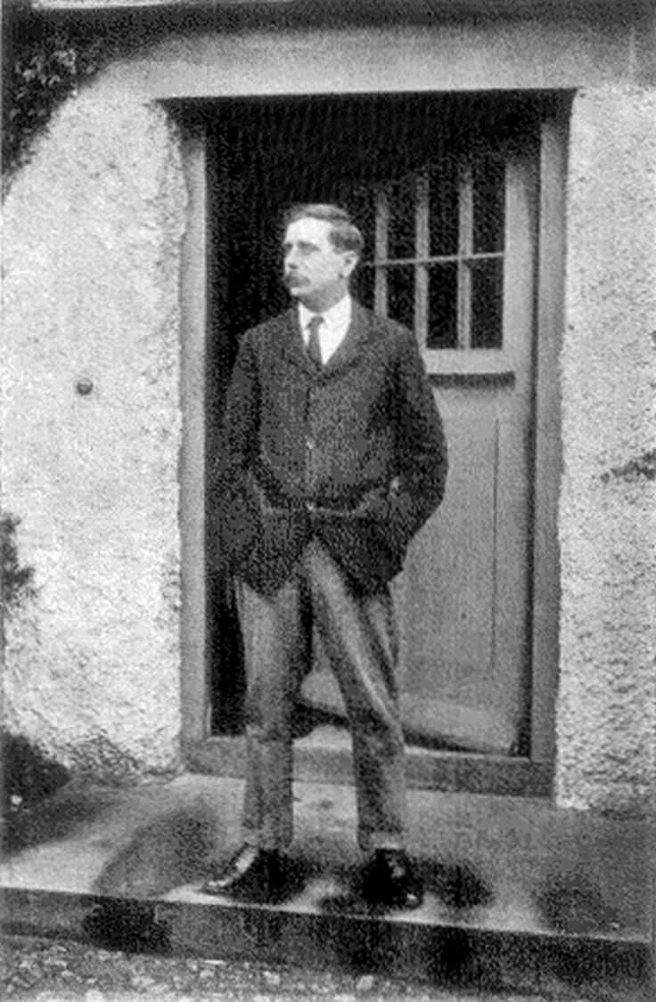 a biography of hg wells born in bromley kent The paperback of the the shape of things to come by h g wells at barnes & noble biography business cookbooks  hg wells was born in bromley, kent in 1866.