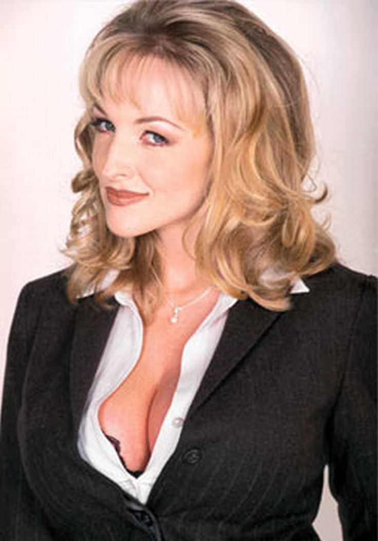 Danni Ashe - Celebrity biography, zodiac sign and famous