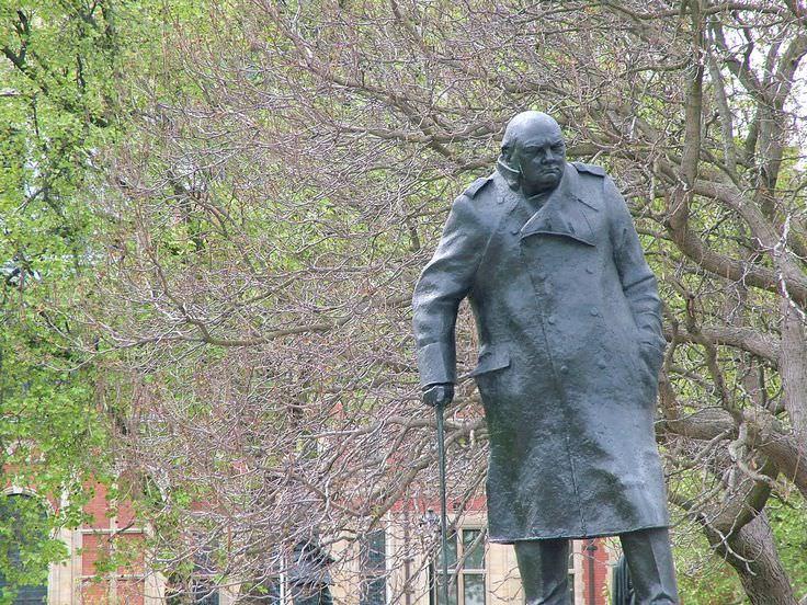 Winston Churchill - Celebrity biography, zodiac sign and