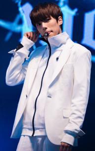 Minhyuk (Lee Min-hyuk)